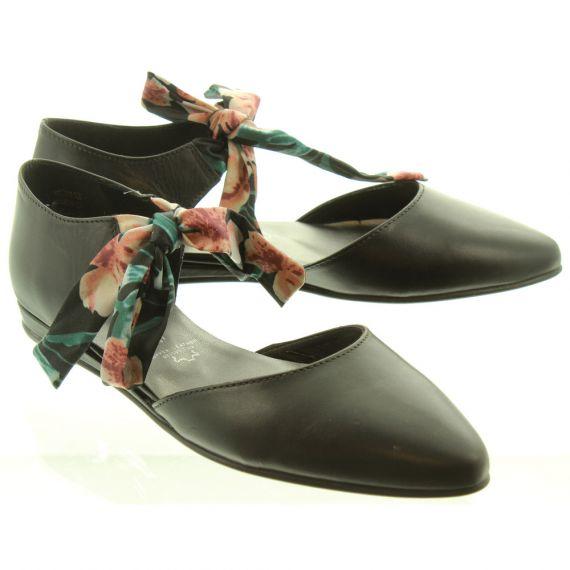 TAMARIS Ladies 24230 Flat Shoes In Black