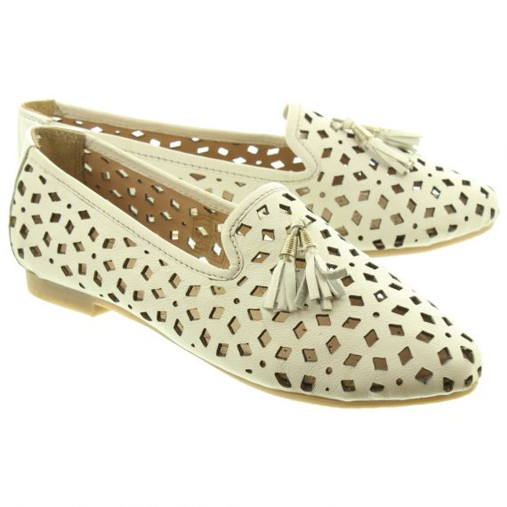 LUNAR Ladies Alma 3 Shoes In White