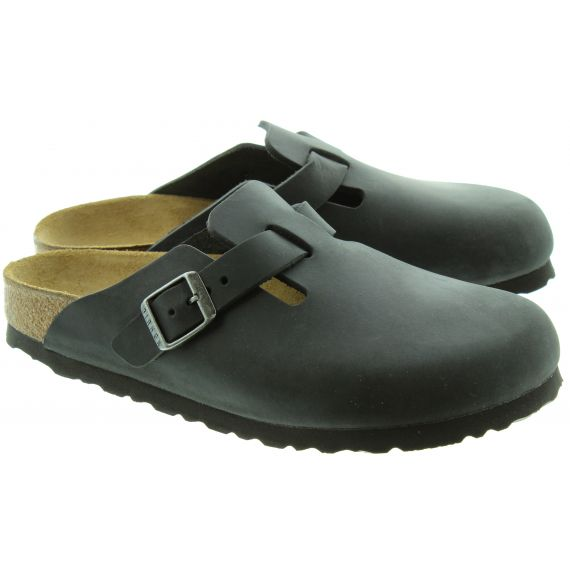 BIRKENSTOCK Unisex Boston Clogs in Black
