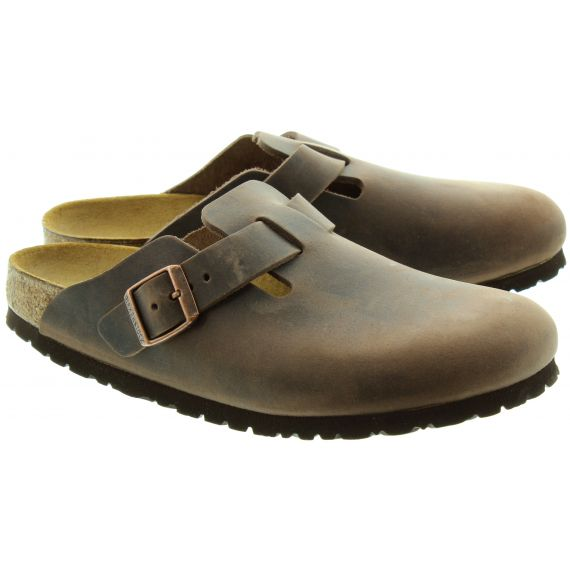 BIRKENSTOCK Unisex Boston Clogs in Brown
