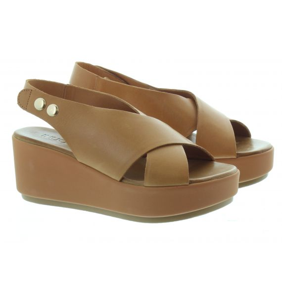 INUOVO Ladies 8697 Wedge Sandals In Tan