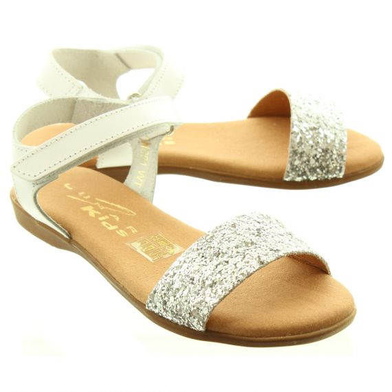 LUNAR Kids Tilly Junior Sandals In White