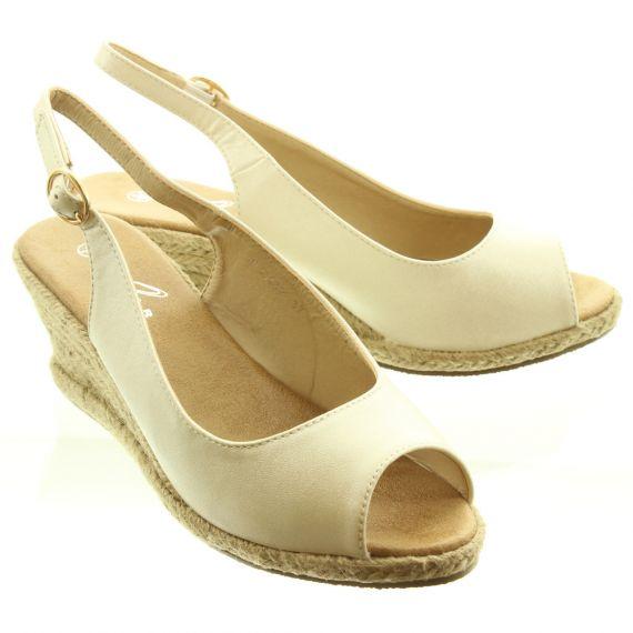 LUNAR Ladies JLC132 Toledo Wedge Espadrille Sandals In White