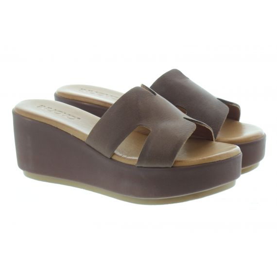 INUOVO Ladies 123039 Wedge Mules In Brown