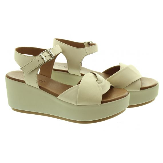 INUOVO Ladies 123041 Wedge Sandals In Bone