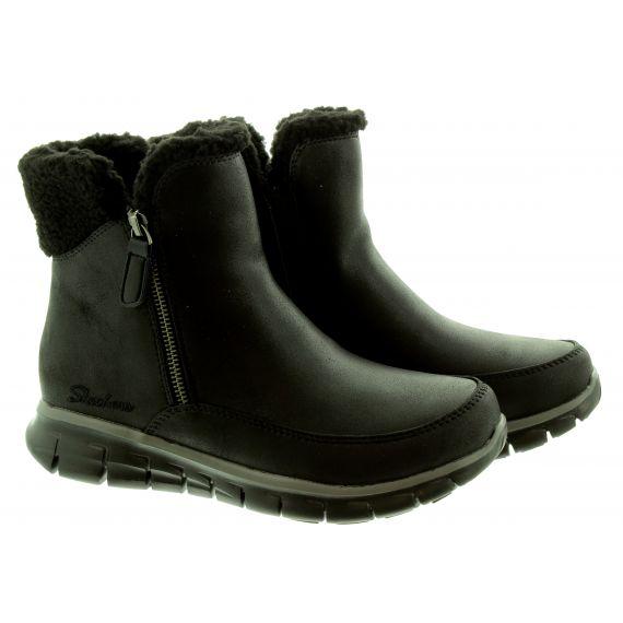 SKECHERS Ladies 44779 Water Repellant Zip Boots In All Black