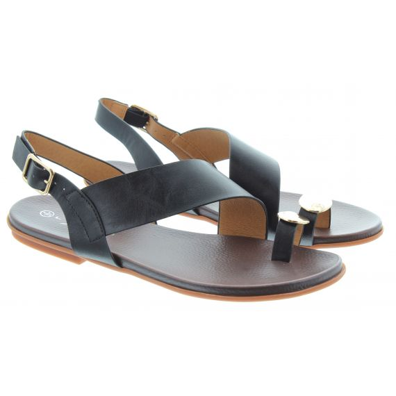LUNAR Ladies Borneo Toe Loop Sandals In Black