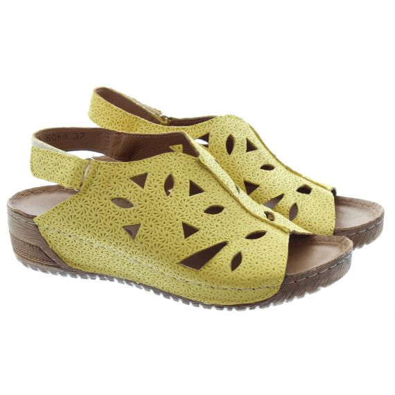 ADESSO Ladies Naomi Strap Sandals In Canary Yellow