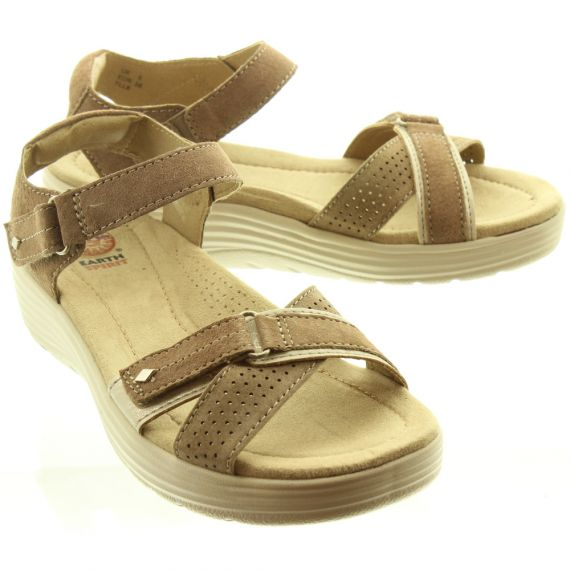 EARTH SPIRIT Ladies Swifton Wedge Sandals In Taupe
